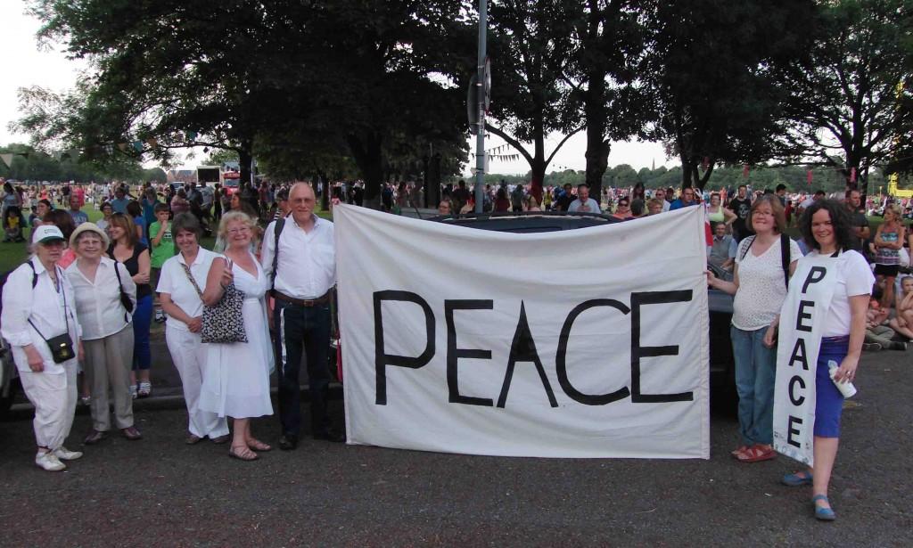 01e 25.7.14 Peace message for Giants, Newsham Park