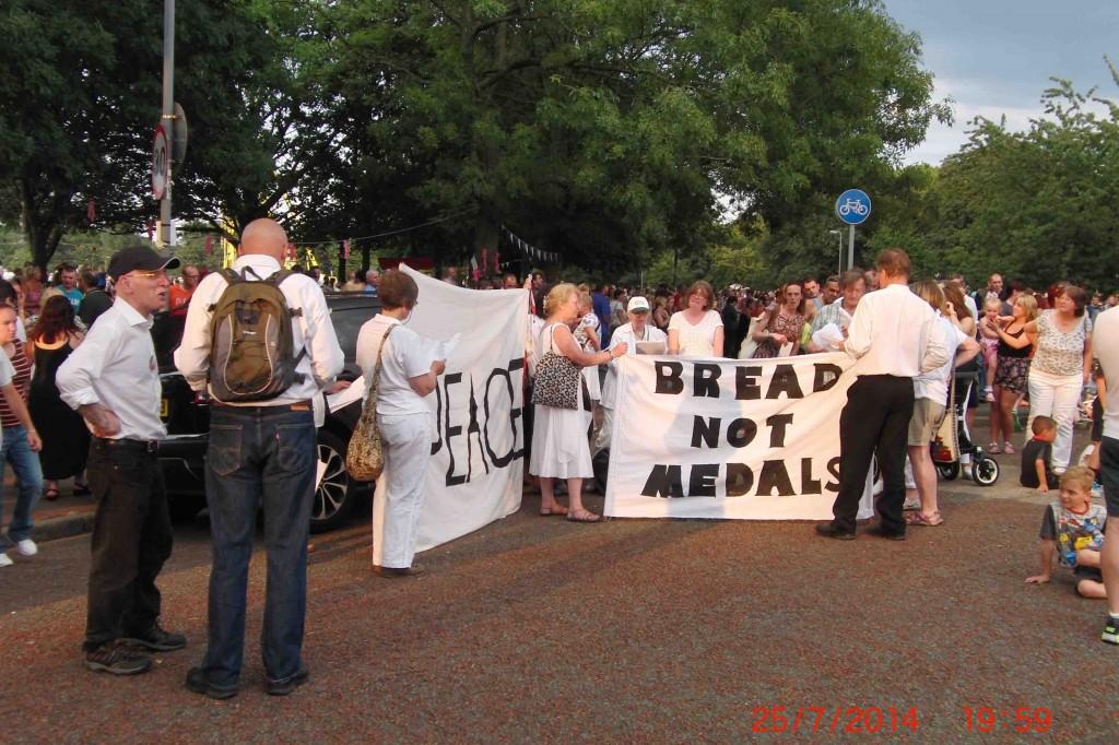 17e 25.7.14 Peace message for Giants, Newsham Park