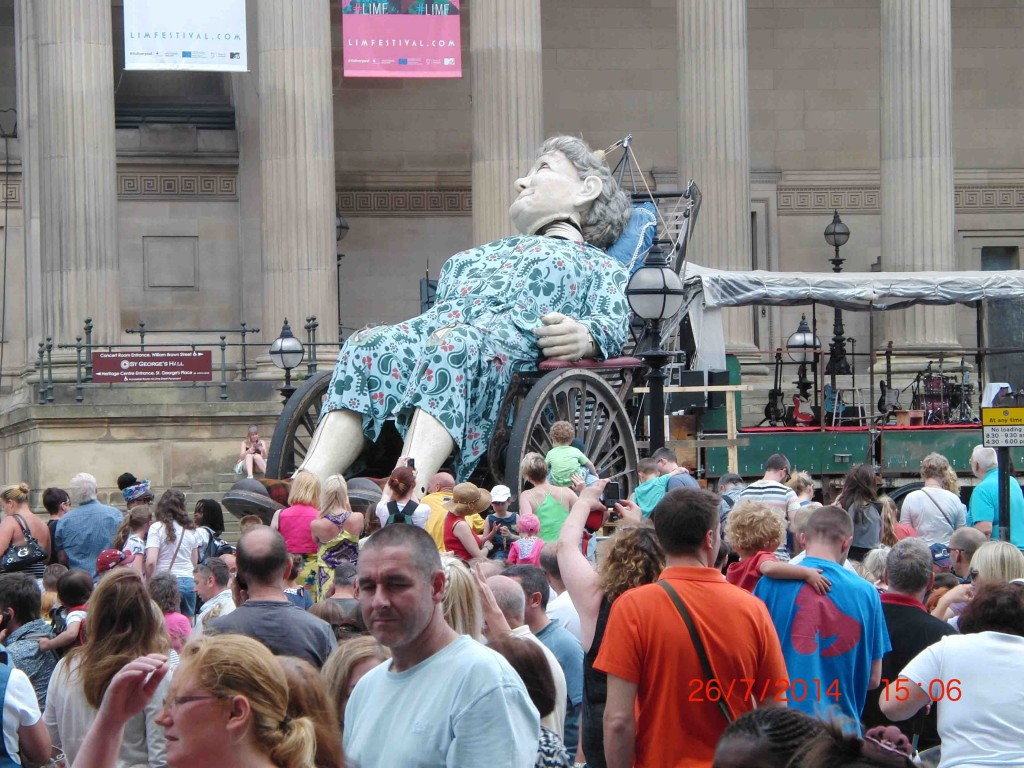 33e 26.7.14 Grandma Giant takes a nap at St George's Hall