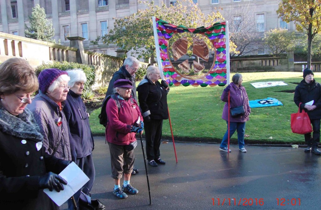 05e-11-11-16-armistice-remembrance-st-johns-peace-gdn-liverpool