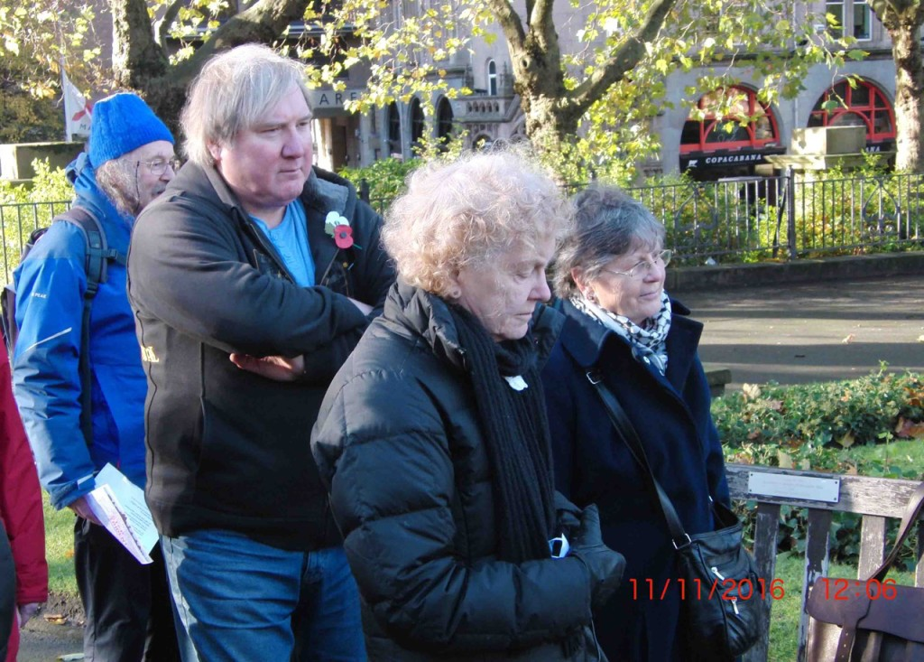 14e-11-11-16-armistice-remembrance-st-johns-peace-gdn-liverpool